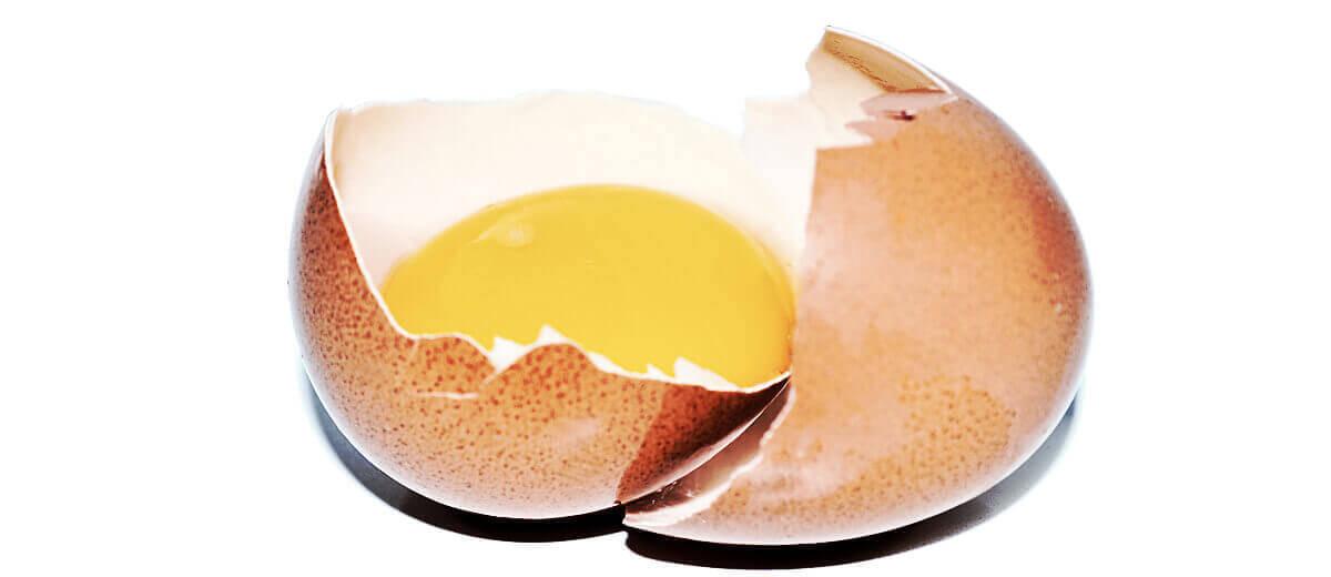 Vejce obsahuje biotin neboli vitamín H