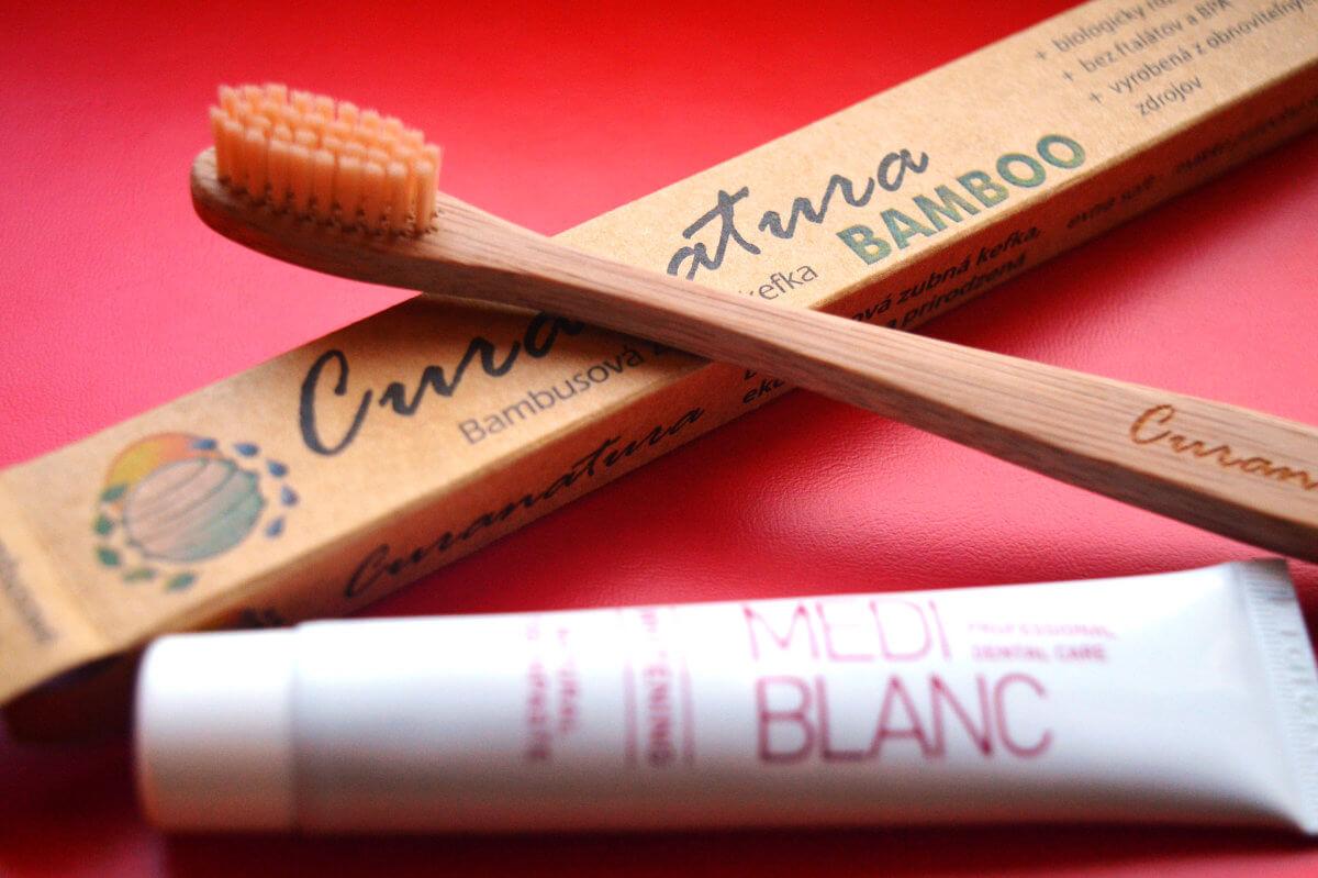Zubní pasta a bio kartáček