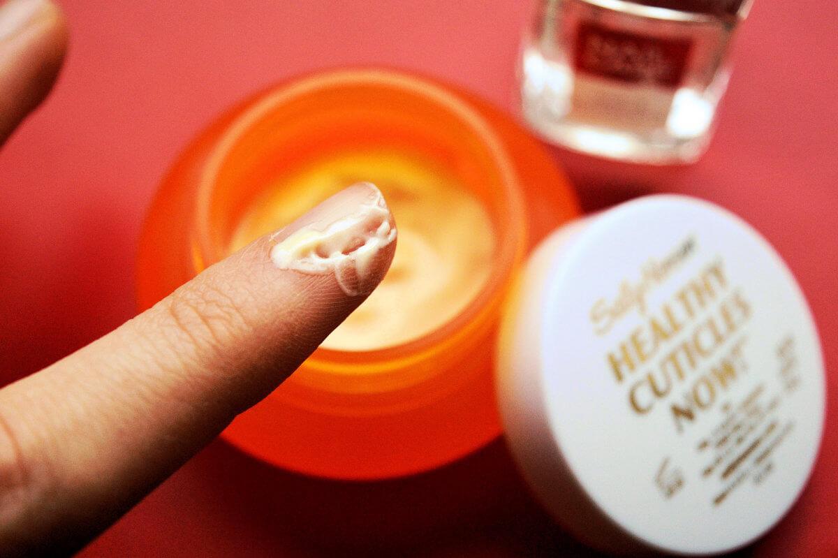 Krém na nehty Sally Hansen
