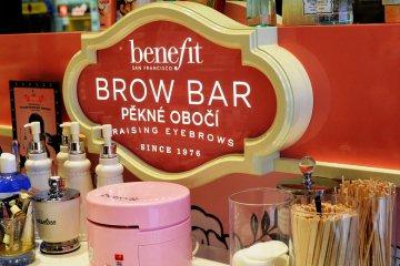 Návštěva Benefit Brow Baru