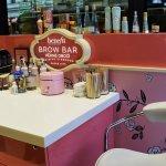 Příjemné prostředí Brow Baru