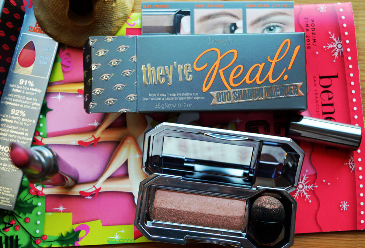 Benefit rtěnka a duo stínů They´re Real