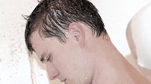 Krátké vlasy u mužů jsou známkou praktičnosti