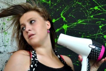 Jak správně fénovat vlasy