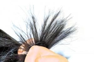 Jak se bránit třepení konečků vlasů