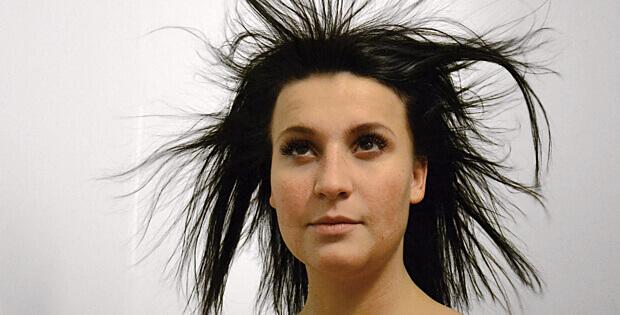 Maximální zkrocení krepatých vlasů