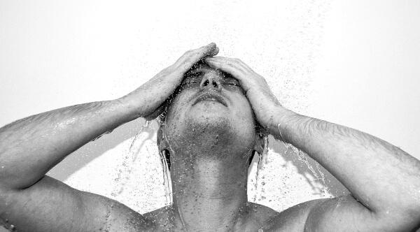 Jak si správně mýt vlasy